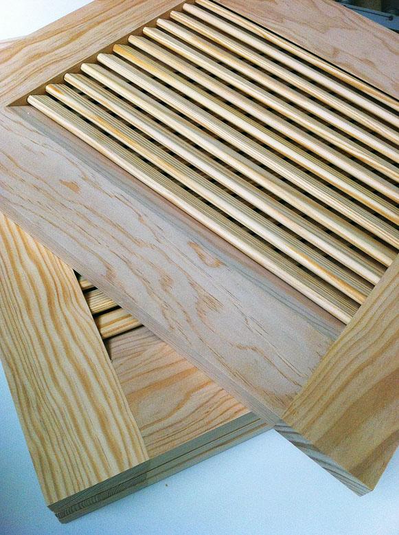 Fabrication de portes persiennes en bois massif 3b for Porte placard persienne bois
